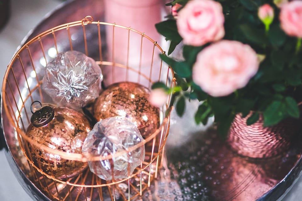 Decorar con bolas de navidad trucos